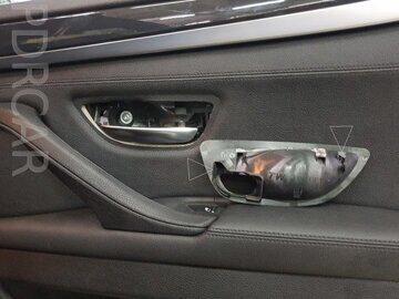 Защелки-на-накладке-ручки-BMW-G30