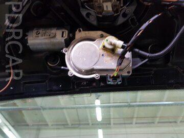Крепление-механизма-стеклоочистителя-E87