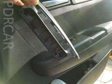 как снять карту двери на киа
