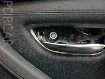 Крепление-облицовки-двери-BMW-G30